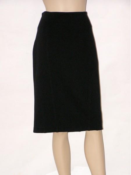 c13a381ce1a Černá úzká sukně s podšívkou 3312 Andrea Martiny 42