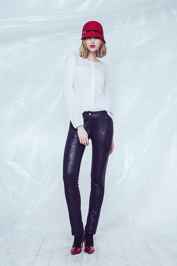 Bílá dámská halenka s dlouhým rukávem 2315 Andrea Martiny 40 f26d24a822