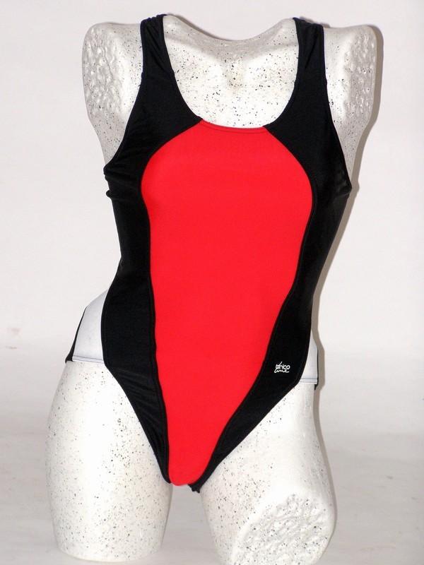 Dámské černé sportovní plavky 4969 Trico line S