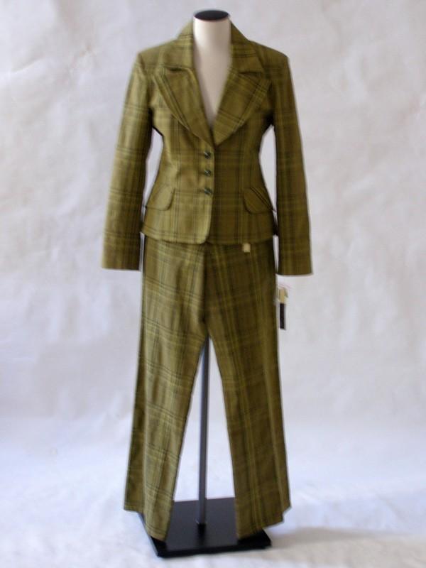 Dámský kalhotový kostým 2606 Andrea Martiny zelený 40