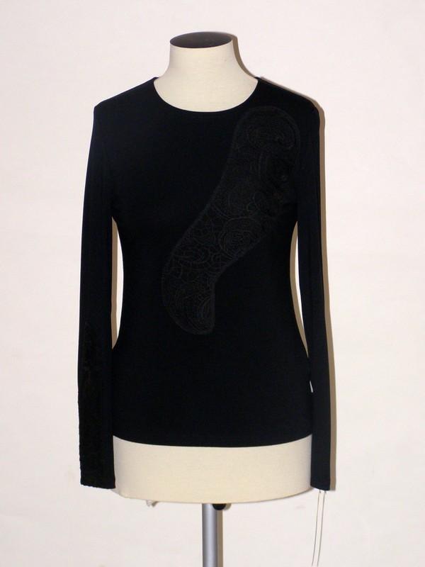 Elegantní elastické černé tričko z viskózy 0810 Andrea Martiny 40