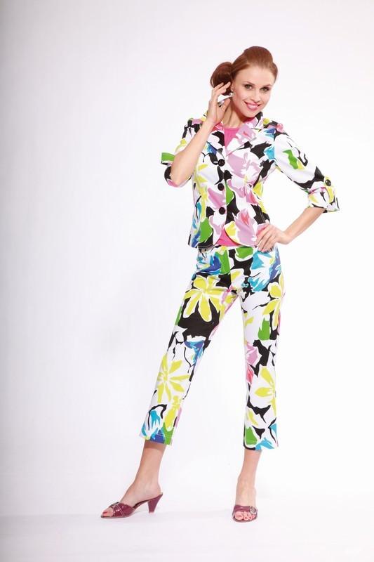 Dámský kalhotový květovaný kostým 0610 Andrea Martiny letní 36, 40