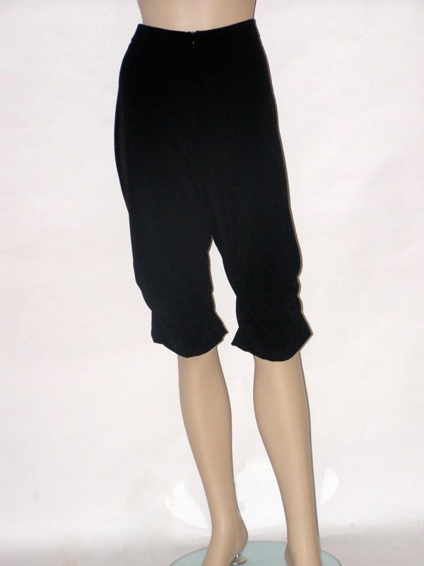 Černé třičtvrteční kalhoty 3907 Andrea Martiny 44