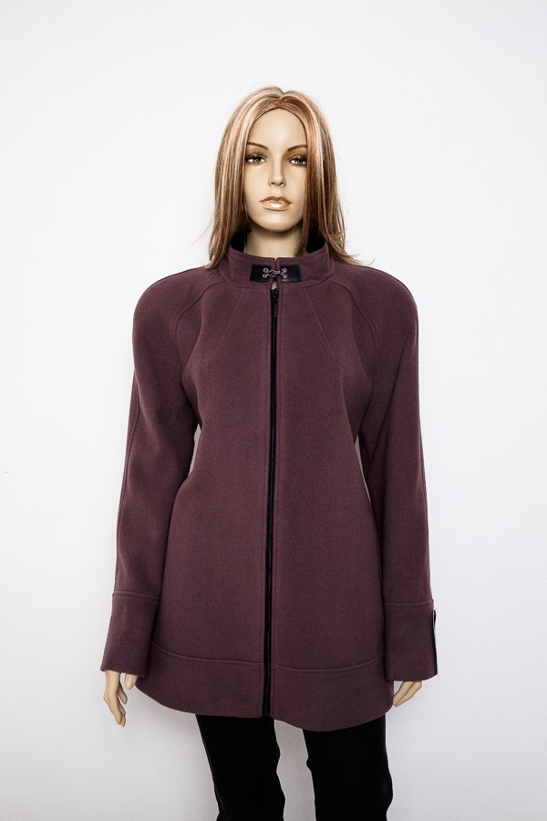 Hnědo fialový flaušový krátký kabát 1215 Andrea Martiny 48