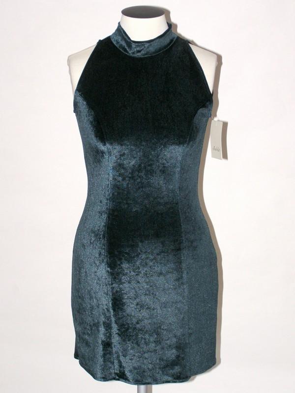 Sametové elastické společenské krátké šaty 832002 Izabela 38, 42